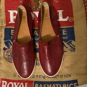 Frye women's red leather slip-on sneakers size 9